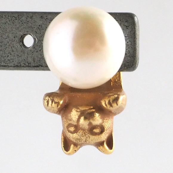 銀工房AramaRoots(アラマルーツ) パールと猫のピアス 真鍮 K18GP マットゴールド加工 片耳 [AY26G]