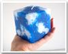 鮮やかな青に白い雲が浮かぶ絵画のようなキャンドル…biancabianca キャンドル作家・秋澤真衣子さんの「空キャンドル」