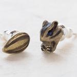 DECOvienya(デコヴィーニャ) 手作りアクセサリー シマリスとヒマワリの種ピアス ゴールド 2個セット [DE-061G]
