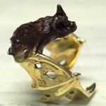 DECOvienya(デコヴィーニャ)手作りアクセサリー こうもりリング ゴールド [DE-063G]