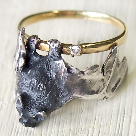 DECOvienya(デコヴィーニャ) 手作りアクセサリー こうもりダイヤリング シルバー [DE-094]