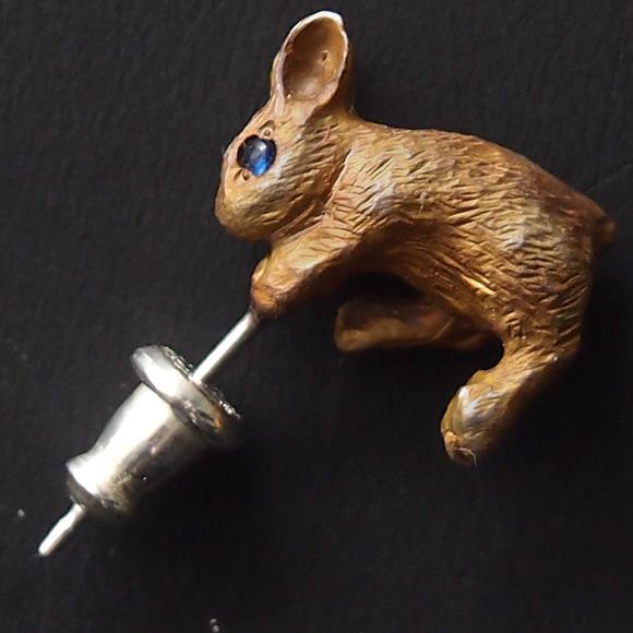 DECOvienya(デコヴィーニャ) 手作りアクセサリー ウサギのピアス 茶色 片耳 [DE-100C]
