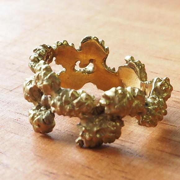 DECOvienya(デコヴィーニャ) 手作りアクセサリー 松ぼっくりリング 真鍮 [DE-104]