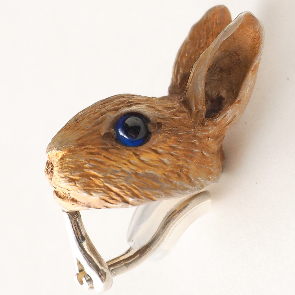 DECOvienya(デコヴィーニャ) 手作りアクセサリー 野ウサギのイヤリング シルバー 片耳 [DE-118]