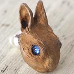 DECOvienya(デコヴィーニャ) 手作りアクセサリー 野ウサギのピアス 片耳 [DE-131]