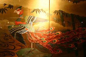絵師・冬奇作・店舗内装用金屏風—和風ダイニングバー「おいでんか」