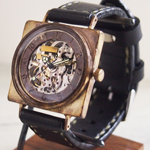 渡辺工房 手作り腕時計 自動巻き 裏スケルトンスクエア ジャンボブラス [NW-BAM026]