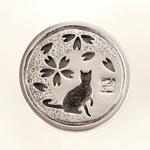 エス 和柄アクセサリー作家・三浦砂織 桜×猫 透かし彫り シルバーコンチョ [S-CO-05]