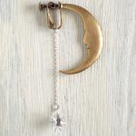 sasakihitomi アクセサリー作家・佐々木ひとみ 月と星のイヤリング 片耳 シルバー&真鍮 [No-039-E]