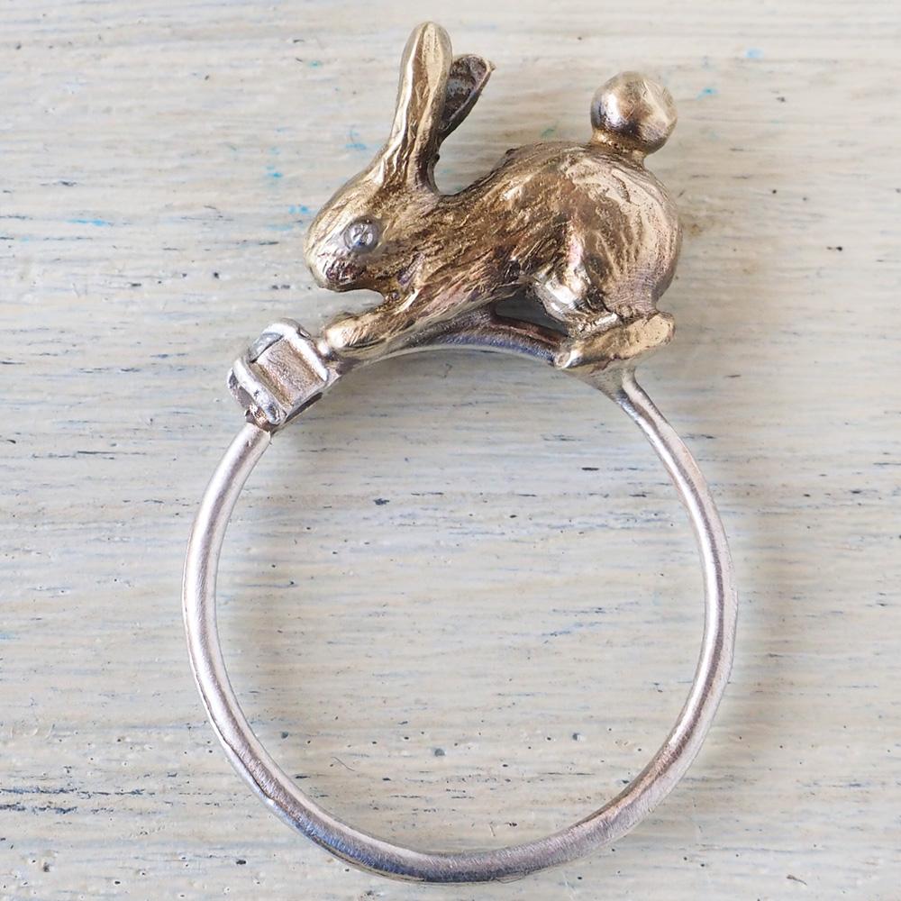 sasakihitomi アクセサリー作家・佐々木ひとみ 真鍮のうさぎとシルバーリングの指輪 [No-080-B]