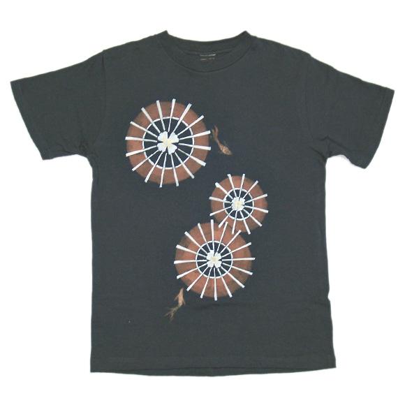 saya1003 きものデザイナー 岩野沙綾香 創作和柄手描きTシャツ 半袖 ホットピンク 和傘 <br>メンズ・レディース [sa-ts1a-ns001]